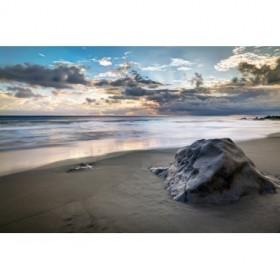 39263408 / Cuadro Playa con piedra negra en el crepúsculo